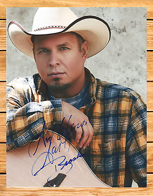 Garth Brooks Signed Autographed 8.5x11 Photo With COA. Country Music.