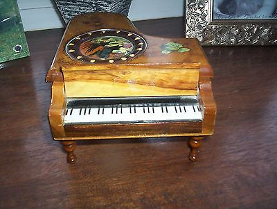 Lovely Collectable Vintage Wooden Baby Grand Piano Music Jewellery Box Mallorca
