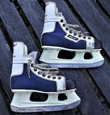 Bauer NHL Toronto Ice Hockey / Skating Skates Size UK 4