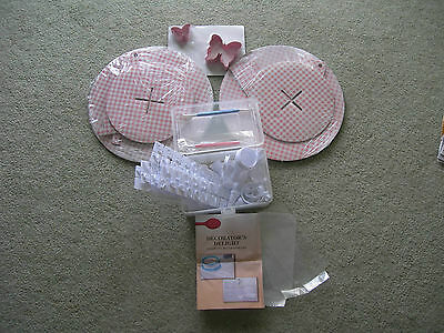 DECORATORS DELIGHT 23 Piece Boxed Icing Set ~ Butterfly Cutters ~ 2 Cake Stands