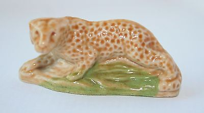 Wade Whimsies Collectable figure -LEOPARD Set 7 (1976)
