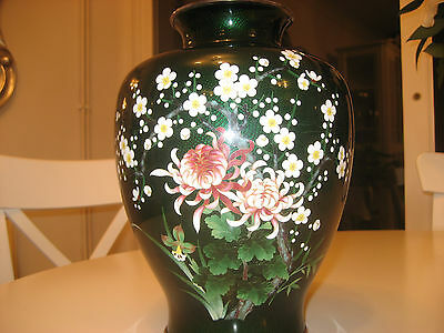 Antique Ando Japanese Wireless Green and Patterened Cloisonne Vase