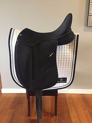 Wintec 18inch Isabell Werth Dressage Saddle with Cair