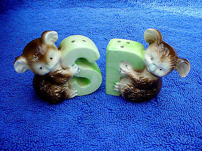 c So Cool Vintage Green Letter & Brown Koala Bear Salt Pepper S & P Shakers Set