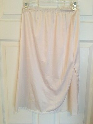 VINTAGE VANITY FAIR PALE PINK HALF SLIP Size SMALL WITH LACE & SIDE SLIT