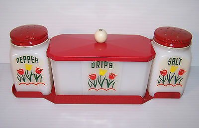 Kitchen Vintage salt pepper grease drips set with wall mount near mint 1940-50s