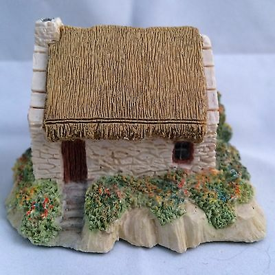The Irish Heritage Collection MOTHER MACREE'S COTTAGE MADE IN IRELAND