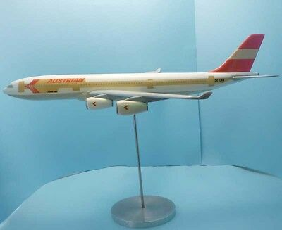 AUSTRIAN Airlines Airbus A340-200 OE-LAE 1:100 AIRPLAST plastic aircraft model