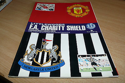 FA CHARITY SHIELD 1996 - OFFICIAL MAGAZINE - MAN UTD v NEWCASTLE