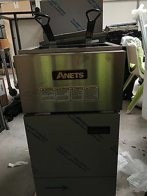 Anets SLG40 Single Tank Natural Gas Tube Fired Fryer (Boxed New)