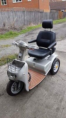 TGA BREEZE 3 MOBILITY SCOOTER Excellent Condition Free Road Tax ��