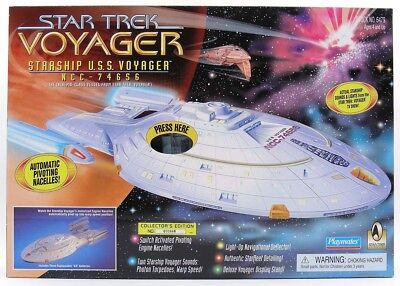 Star Trek Voyager Starship USS Voyager NCC 74656 Stock No. 6479 Playmates 1995