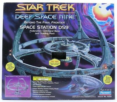 Star Trek Deep Space Nine Space Station DS9 Playmates No. 6251 Playmates 1994