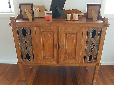 Quality Balinese styled cabinet - Unique.style