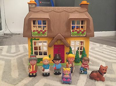 Happyland House And Family Figures