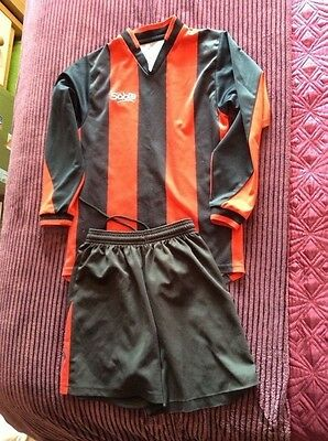 Black And Red Sabre Generic Football Kit Shorts &top Approx 8-10 Yrs