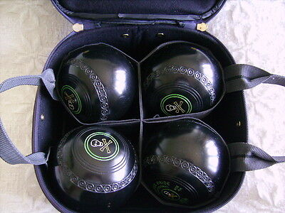 Set 4 DRAKES PRIDE PROFESSIONAL BOWLS. Size 4H WITH BAG AND SLING