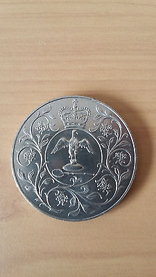 COLLECTOR'S COIN Queen ELizbeth II Silver Jubilee Large Crown Coin - 1977