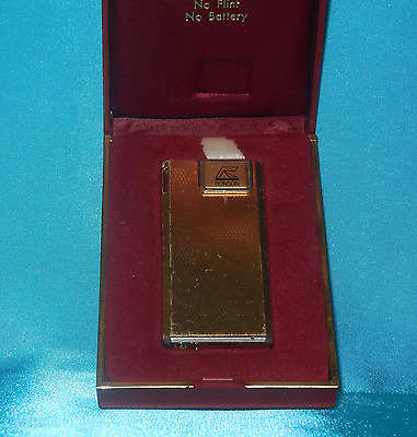 Boxed Collectable Vintage Ronson Electronic Cigarette Lighter.