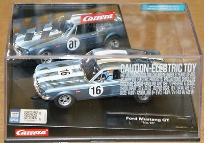 CARRERA #27525 Evolution 1/32 scale Ford Mustang GT #16 electric slot car