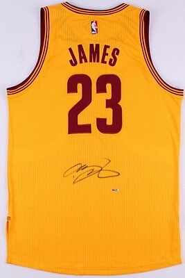 Lebron James Signed Cleveland Cavaliers Jersey