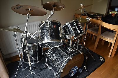 Premier 90's APK Special Edition Rock Drum Kit with Cymbals and Hardware