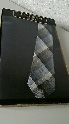 Mens tie and scarf gift set boxed. Navy scarf and navy plad tie.