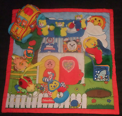 LOT JOUETS 1er ÂGE EVEIL FISHER PRICE HOCHETS PELUCHE, TAPIS ,PLAYSKOOL VOITURE