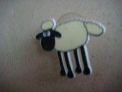 wallace and gromit flat plastic shaun with suction cup