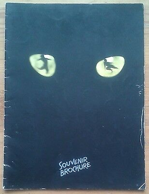 Cats Souvenir Brochure photo programme New London Theatre 22nd July 1981 ed.