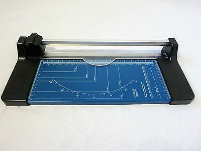 Staples Paper Cutter / Trimmer