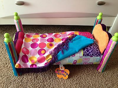 "GROOVY GIRLS DOLL BED Bombtastic 14"" Bed - attached pillow & blanket New W/ Tags"