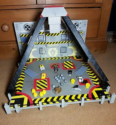Robot Wars Minibots Battle Arena With Sound Effects Drop Zone And Minibots x 7
