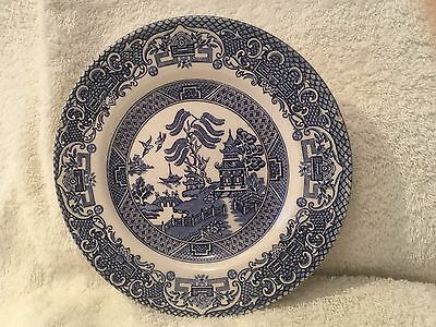 1 x Willow Pattern plate, Old Willow, English Ironstone Pottery 7 inch diameter