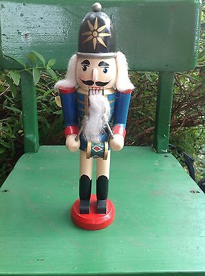 VINTAGE SOLDIER KING DRUMMER NUTCRACKER HANDPAINTED,GREAT For XMAS, QUALITY 10in