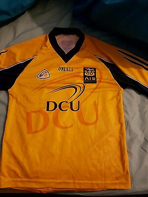 GAA DCU training top, small player fit