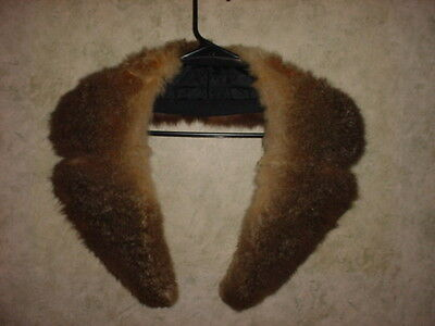 Vintage Possum Split Lapel Fur Collar. Nice Condition.