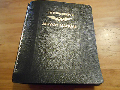 JEPPESEN AIRWAY MANUAL  7 Ring Bonded Leather AM621134 Pilot Route Great Shape