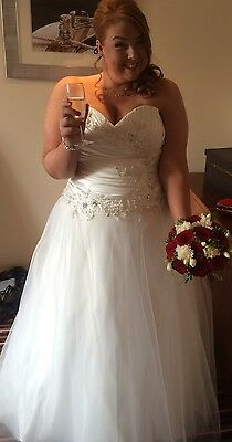 Wedding dress plus size 18-22 Corset Fit And Flair