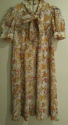 Vintage 60's floral dress with pussycat bow