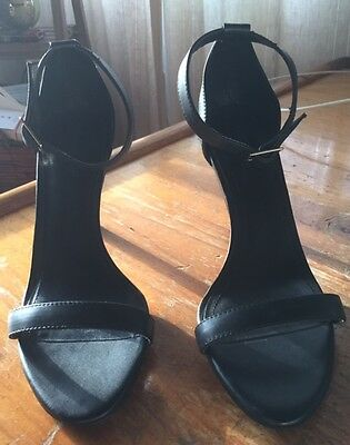 Women's black Country Road heels size 39