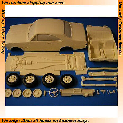 1/25 Holden HK 1968 2-door (Complete Curbside Resin kit)