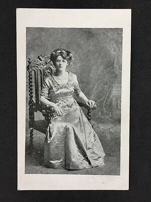 Vintage Postcard - Real Photo Anonymous Women - #A3 - Glamorous Lady
