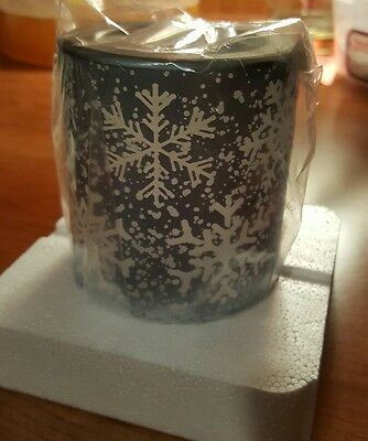 Scentsy Falling Snowflakes Sold out plugin Warmer BNIB* FREE SHIPPING*
