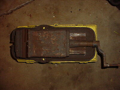 """6"""" mill vise (pickup only)"""