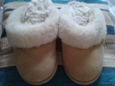 Just sheepskin slippers size 3-4