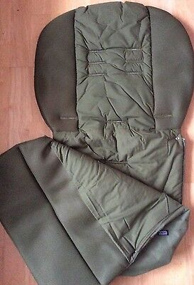 V & M waterproof cosy toes/foot muff Green NEW