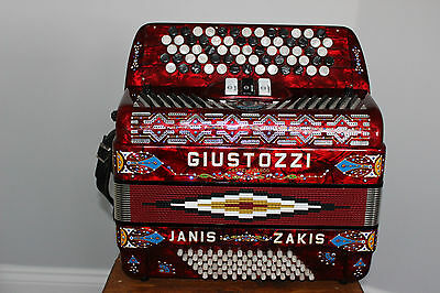 Chromatic Accordion 72 Bass Two Voices Built In Mics