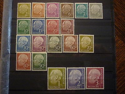 ALLEMAGNE FEDERALE SERIE 20 TIMBRES NEUFS** COTE 425 euros