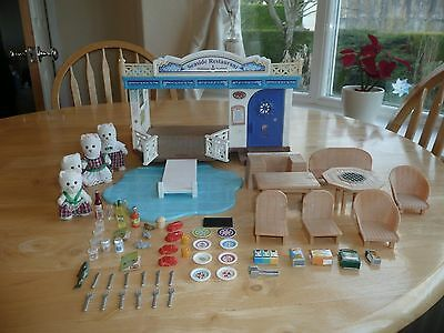 sylvanian families Seaside Restraunt with accessories